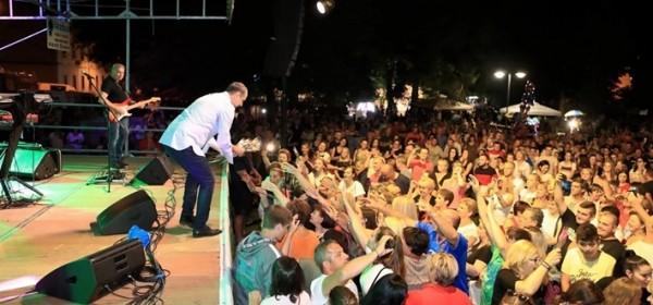 Zečić razvalio koncertom