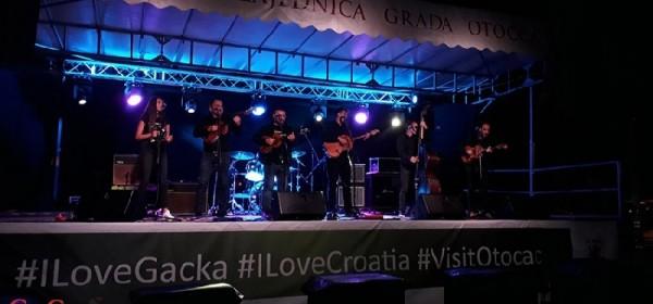 U Otočcu održan rock koncert za obljetnicu HRO-a