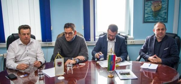 Potpisan ugovor o javnoj nabavi radova na izgradnji oborinske i sanitarne odvodnje te prelaganje vodnog ogranka u ulici Damira Tomljanovića Gavrana