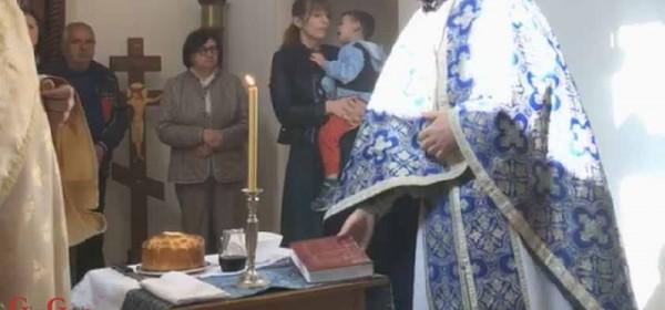 Pravoslavni svećenici u Pakracu ne poštuju mjere, ali tko to smije spočitnuti
