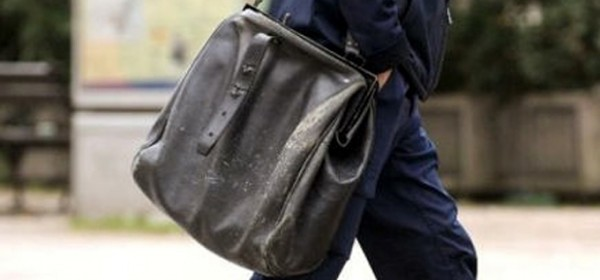 Penziju će opet nositi poštari, ali samo štedišama u HPB-u
