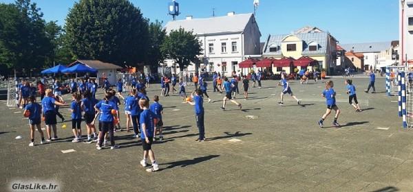 Gospićki rukometaši obilježili Dan športa