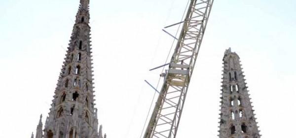 Napravljen konačan plan za spuštanje tornja katedrale - Vojska vježbala s eksplozivom u dvorištu katedrale