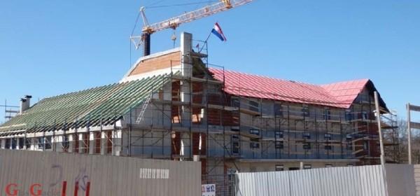 Samostan karmelićanki uhvatio se krova