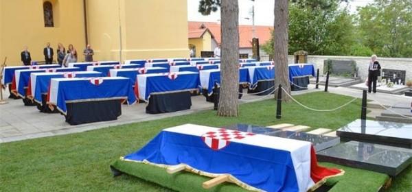 Posljednji ispraćaj i pokop održat će se u subotu, 12. rujna 2020. s početkom u 16 sati na Gradskom groblju u Otočcu