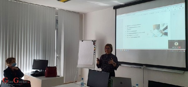 U Otočcu proljetni ciklus predavanja o poduzetništvu za žene – Poduzetništvo je IN
