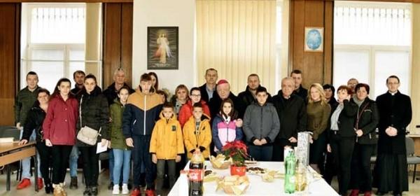 Dan Caritasa - misa i dar potrebitima