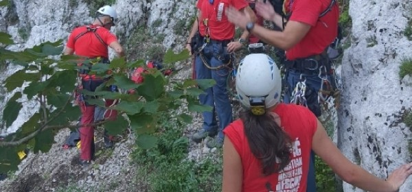 Spašena penjačica iz Bačić kuka na Srednjem Velebitu