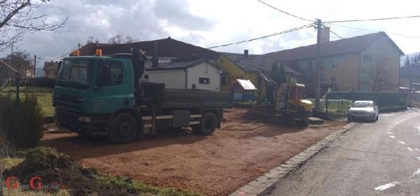 Izvode se radovi na izgradnji i uređenju parkinga Dječjeg vrtića u Brinju
