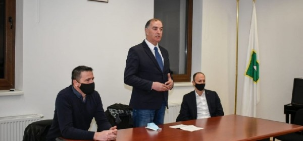 Ernest Petry dobio bezrezervnu potporu OO HDZ-a Lovinac
