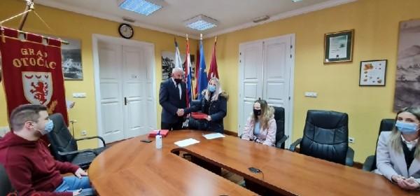 40 stipendista Grada Otočca u akademskoj godini 2020./2021.