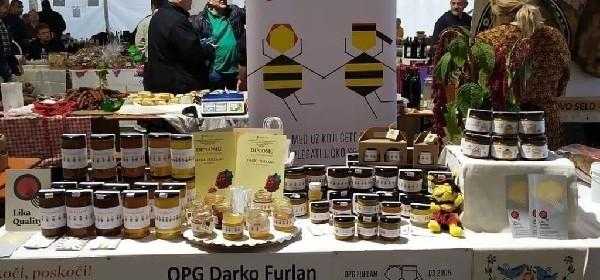 Kvalitetan med OPG Furlan odjenuo u prepoznatljiv dizajn - pčelice plešu ličko kolo