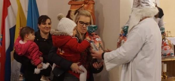 Sveti Nikola podijelio darove u Brinju