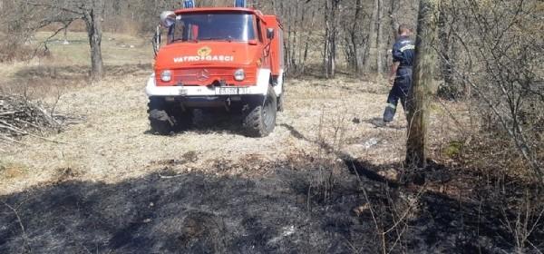 Ne palite travu bez nadzora vatrogasaca