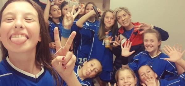 Visoka pobjeda i tijesni poraz djevojčica 2006.godišta Rukometnog kluba Gospić