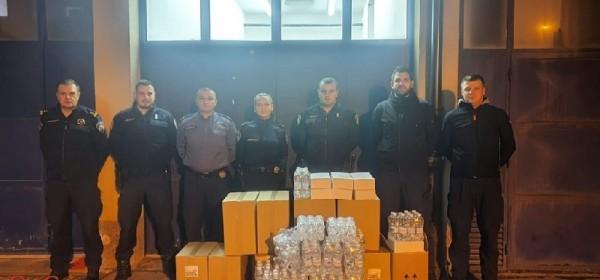 I policajci iz Korenice pomažu Petrinji