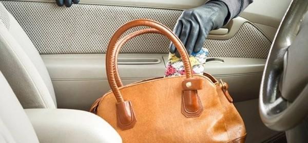Ukraden novčanik iz otključanog automobila