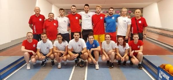 Juniori i juniorke Hrvatske reprezentacije na treningu u otočkoj kuglani